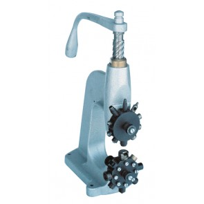 R4 Hook and Eyelet machine